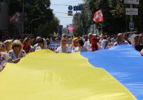 Церква перед виборами закликала всіх молитись за Україну